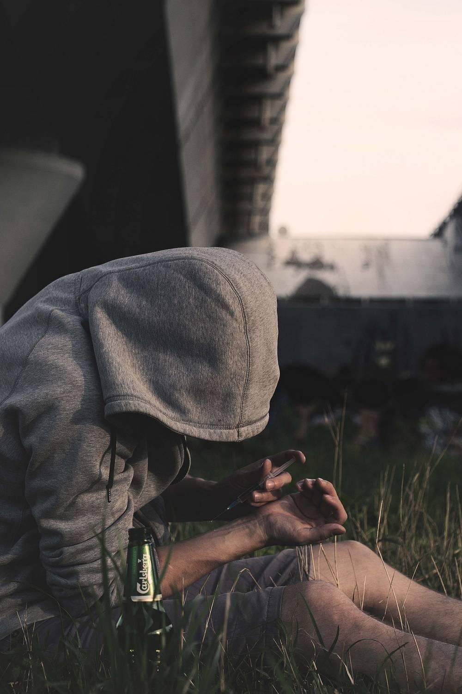 Co powoduje uzależnienie od narkotyków